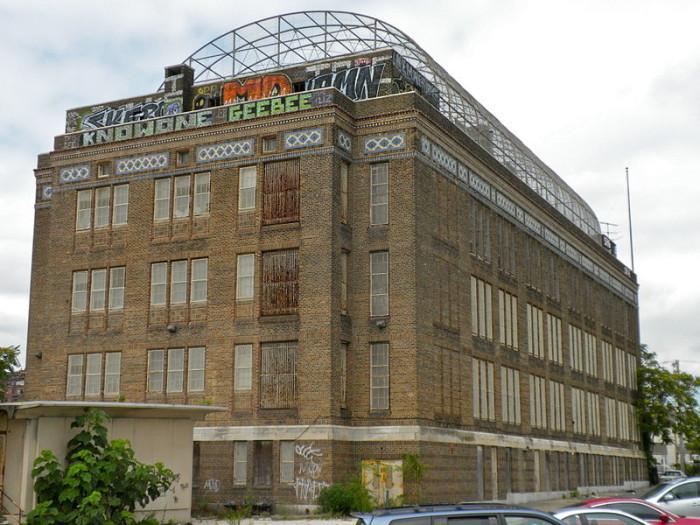 This Abandoned Elementary School In Philadelphia Is Striking