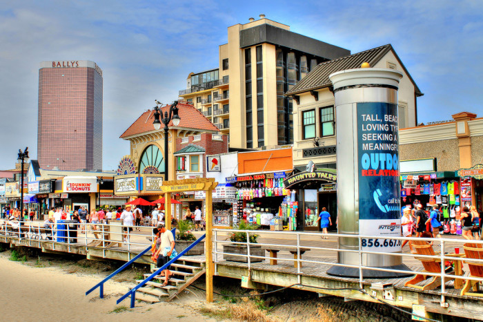 6. New Jersey is home to the only boardwalk in the U.S. long enough to host a 5K.
