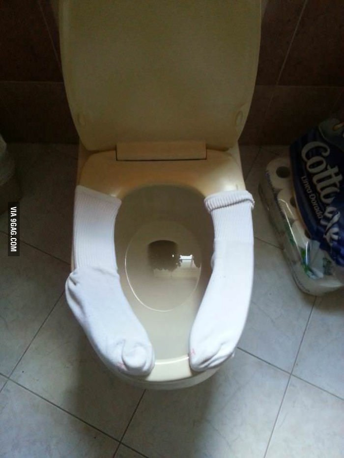 4.Warm up your toilet seat.