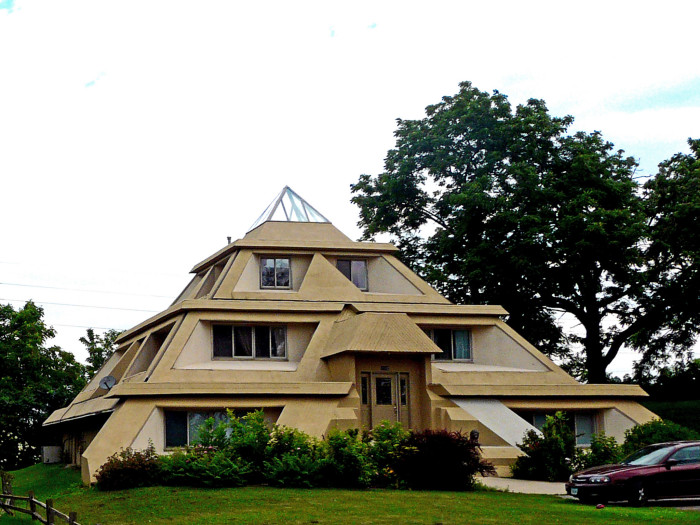 9. The Pyramid House, Clear Lake