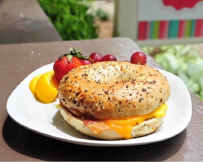 AL Breakfast 8.8