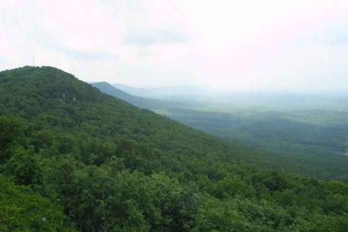 6. Alabama is home to beautiful majestic mountains...