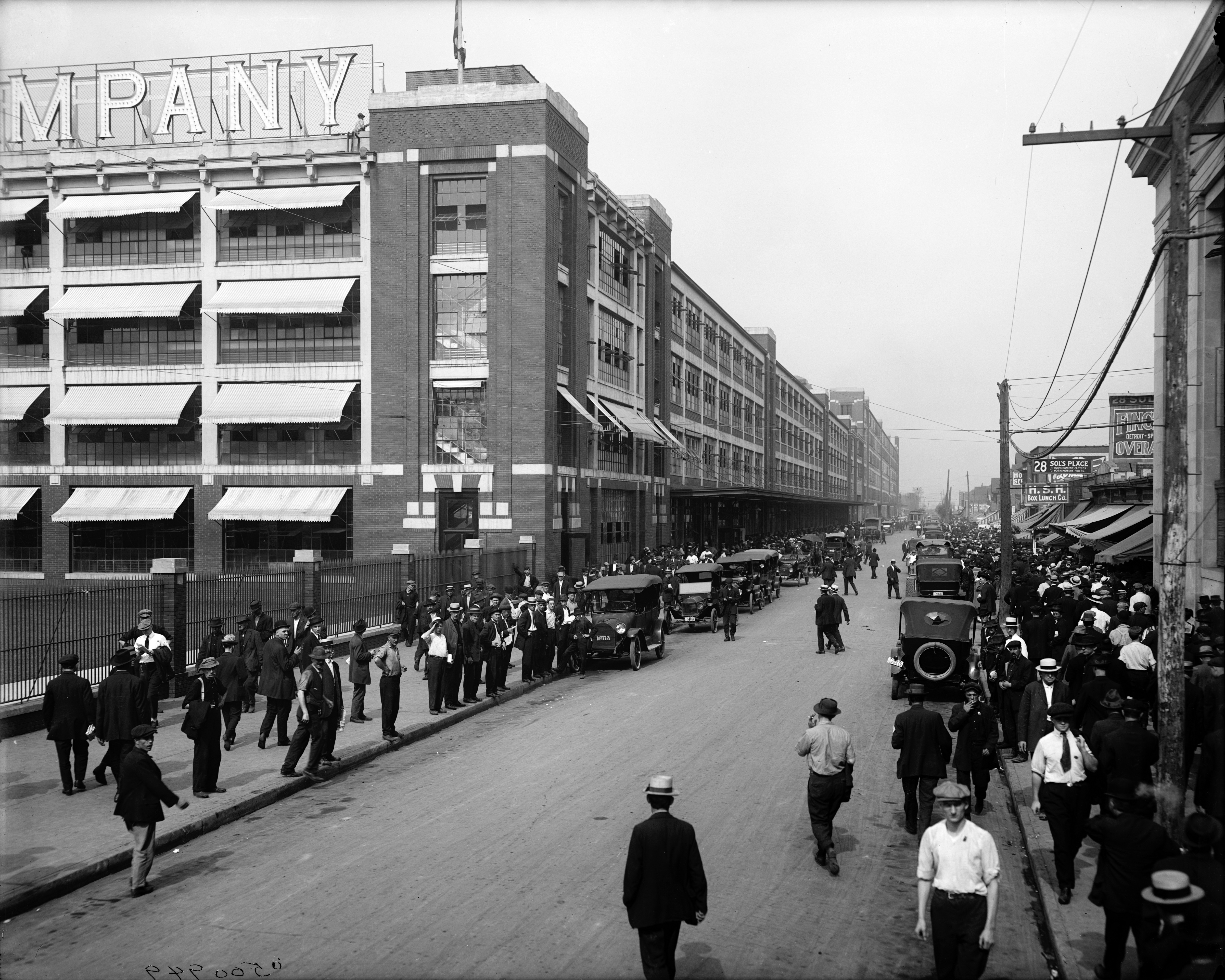 12 Pictures Show What Michigan Looked Like 100 Years Ago