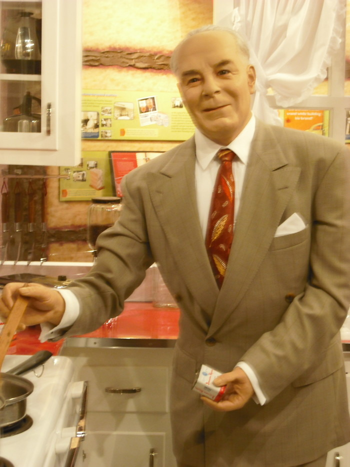 9. Duncan Hines, the man behind the cake mix