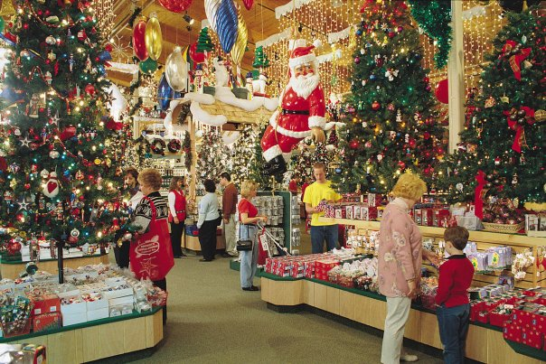 Christmas Stores In Michigan Whether you want a specialty store, an antique mall or a discount shopping center Michigan is the ultimate location for Christmas shopping. Christmas Carnivals offers detailed information about Christmas stores in Michigan.