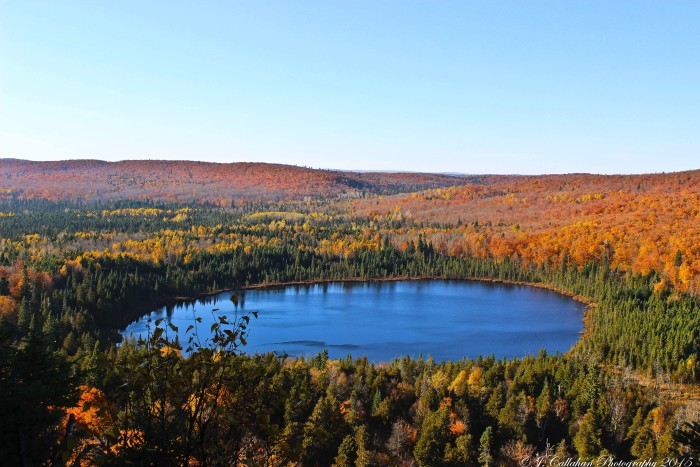 6. People often think of the East Coast when they dream of spectacular fall colors.