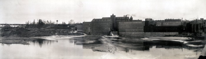 18. Factories of Lewiston (1910)