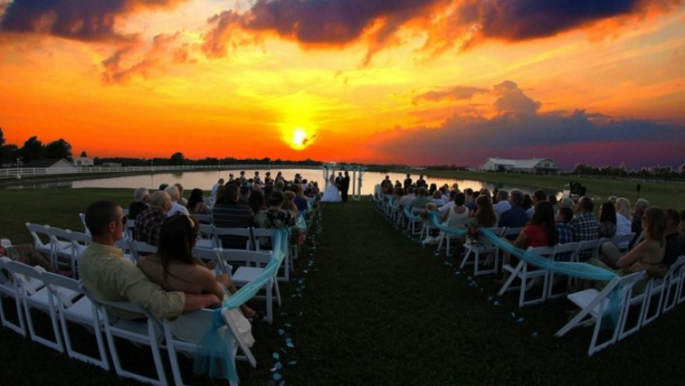 10 Epic Spots To Get Married In Missouri Thatll Blow Guests Away