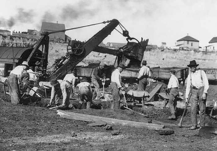 4. 1903 - Mesabi Range.