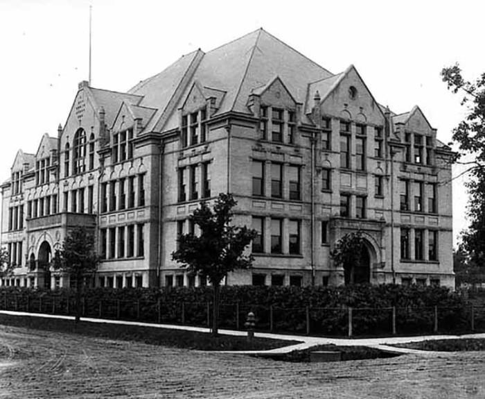 5. 1902 - Minneapolis.