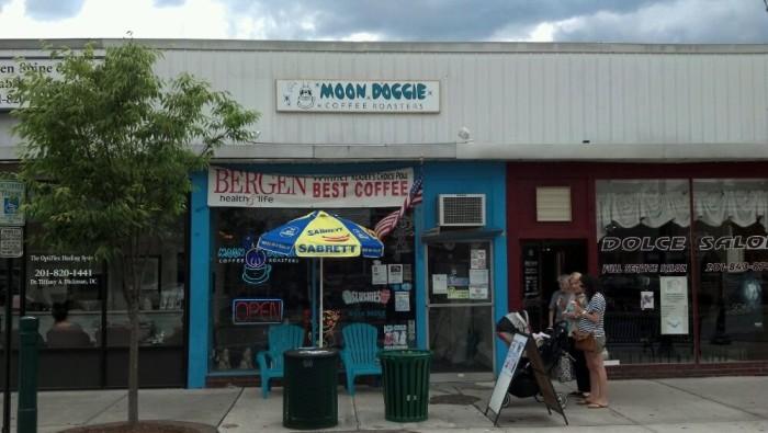 1. Moon Doggie Coffee Roasters, Maywood