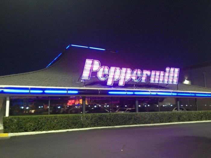 6. Peppermill Restaurant & Fireside Lounge - Las Vegas, NV