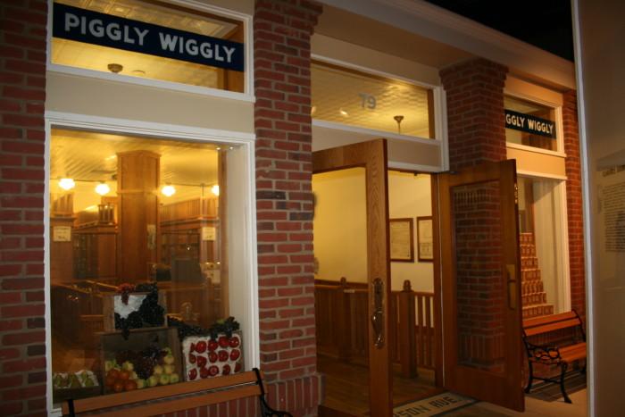 6) Piggly Wiggly Replica - Memphis