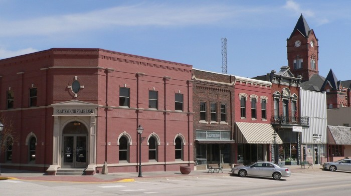 Plattsmouth,_Nebraska_Main_Street_400s_block_N_side