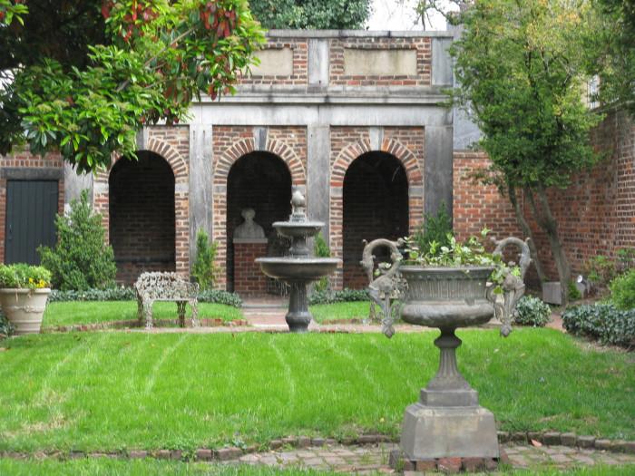 11 enchanting spots in virginia for Richmond gardens pool