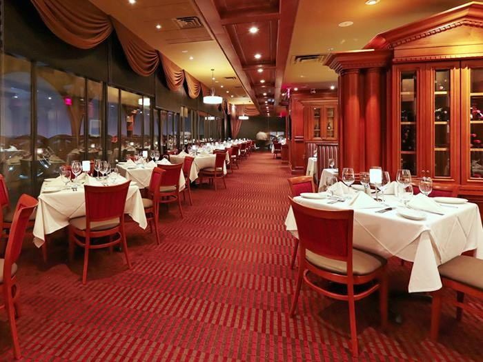 1. Ruth's Chris Steakhouse