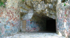 What Was Inside This Alabama Cave In 1937 May Surprise You