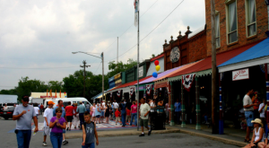 Why Everyone In Tennessee Should Visit This One Tiny Town