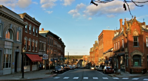 Here Are The 10 Most Beautiful, Charming Small Towns In Maine