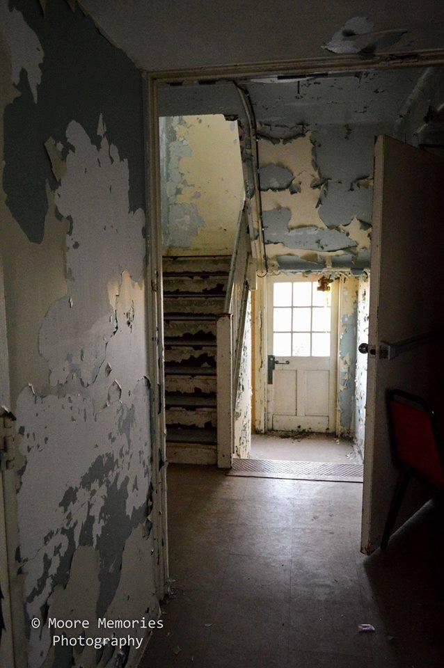 St Albans hallway and door
