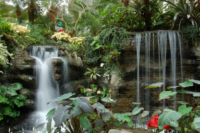 4) Can you believe this waterfall is inside?