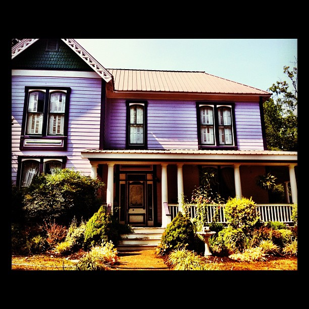 10) The Victorian homes date back to the 1800's