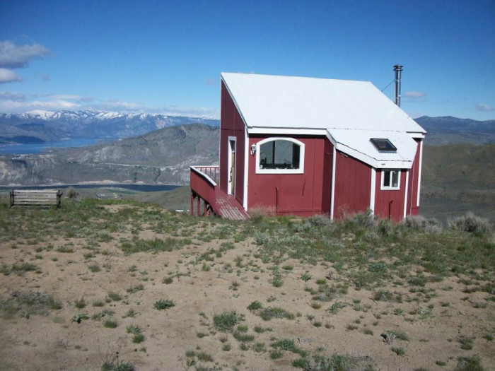 above-it-all-cabin-1