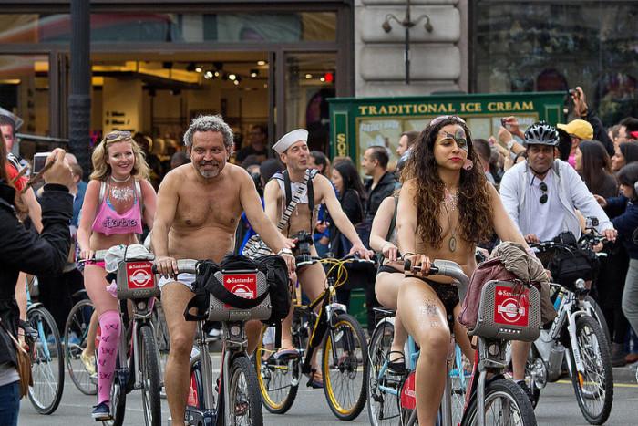 UVMs Naked Bike Ride (Spring 07) - YouTube