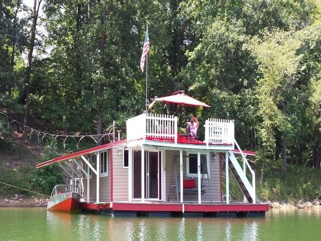 1 floating red lake lounge 451 wilderness camp rd bh 10