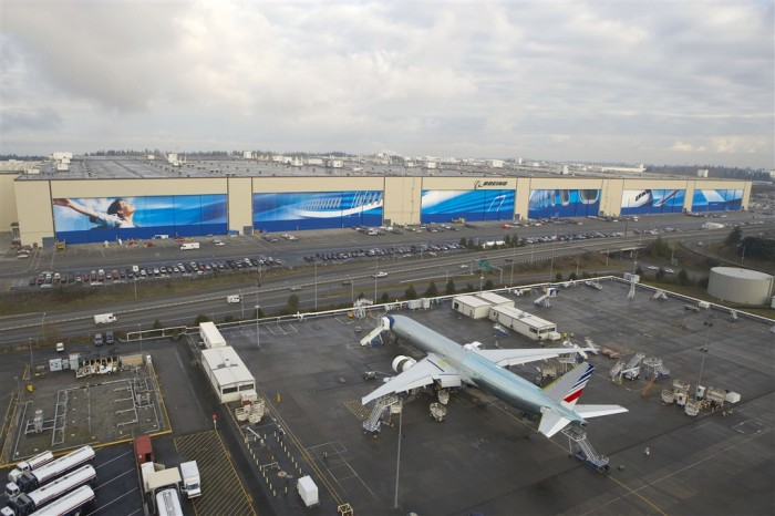 4. The mural on Boeing's six factory doors is the largest digital graphic in the entire world.