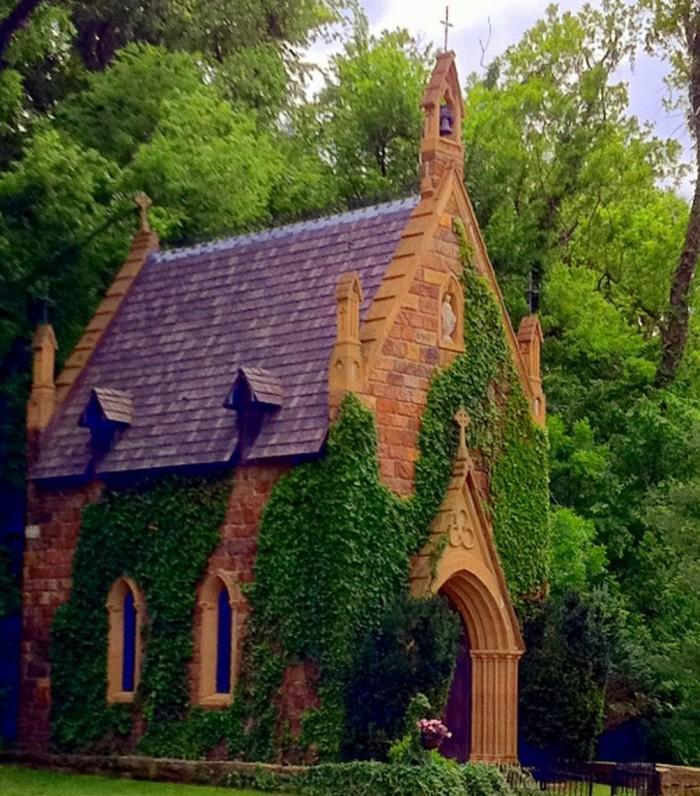 4. Fayetteville's Tiny Church