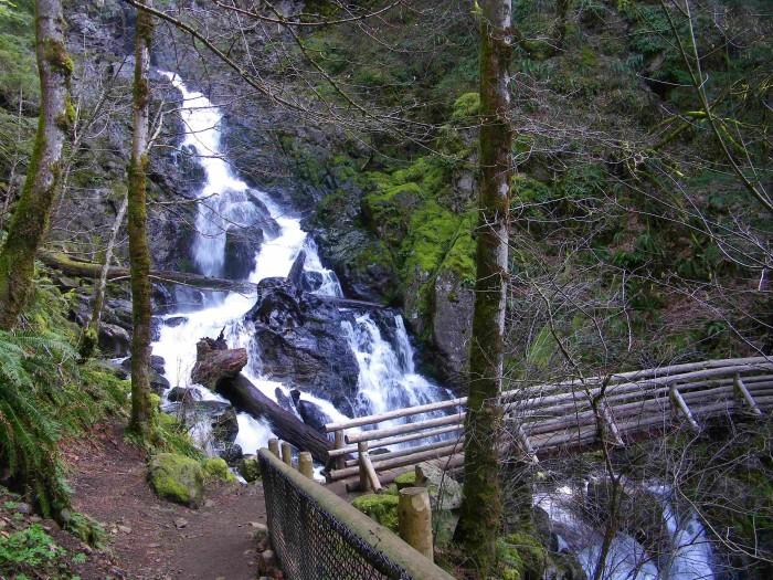 7. Hamilton Mountain Loop, Rodney & Hardy Falls