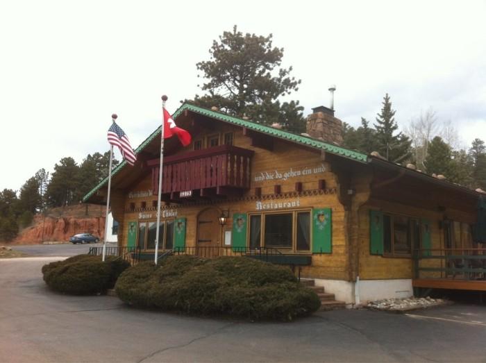 2. Swiss Chalet Restaurant (Woodland Park)