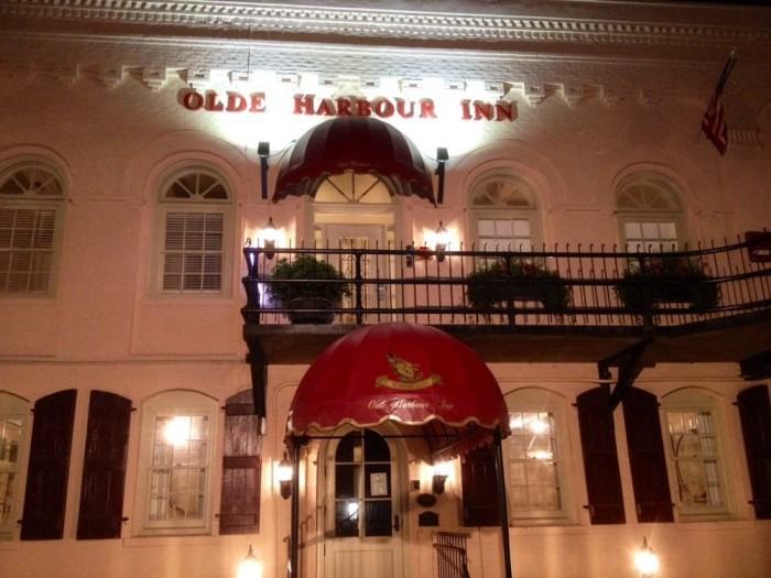8. Olde Harbour Inn - Map Edit 508 E Factors Walk Savannah, GA 31401