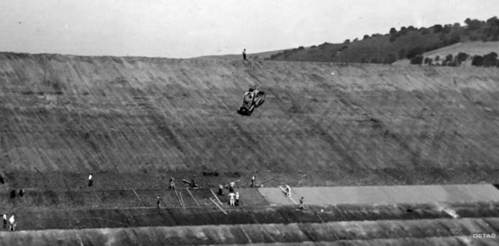 The construction of the dam.