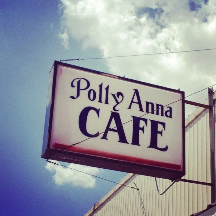 7. Polly Anna Cafe: Woodward