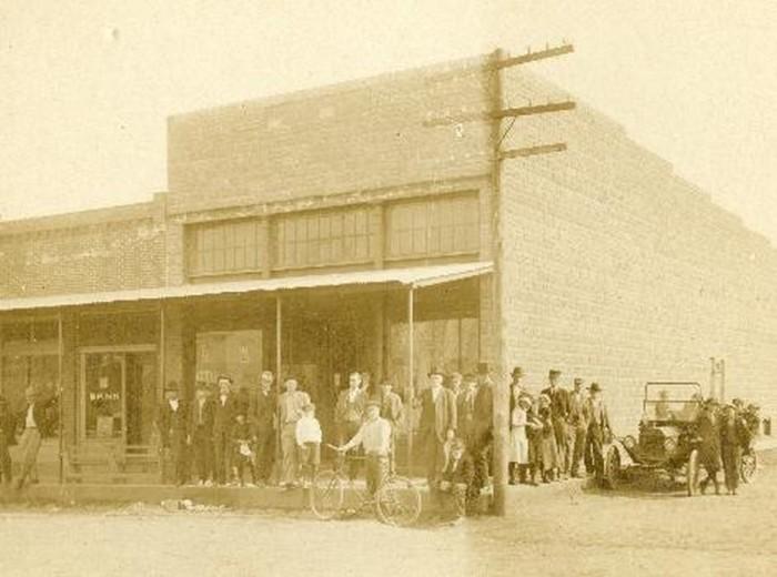8. Putman Store