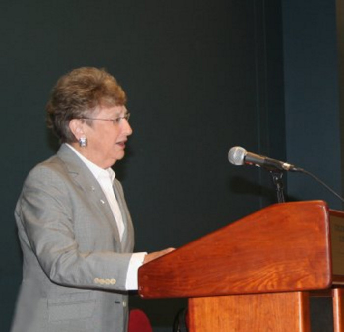 1. SC Chief Justice Jean Hoefer Toal