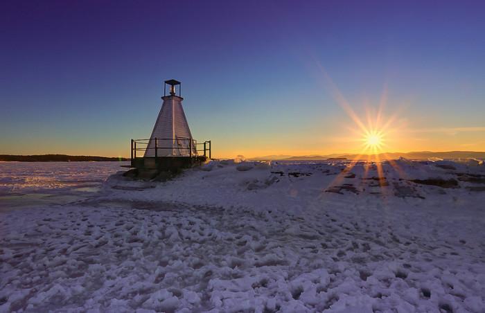 L – Lake Champlain.