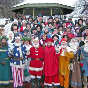 The Top 14 Christmas Towns in Missouri