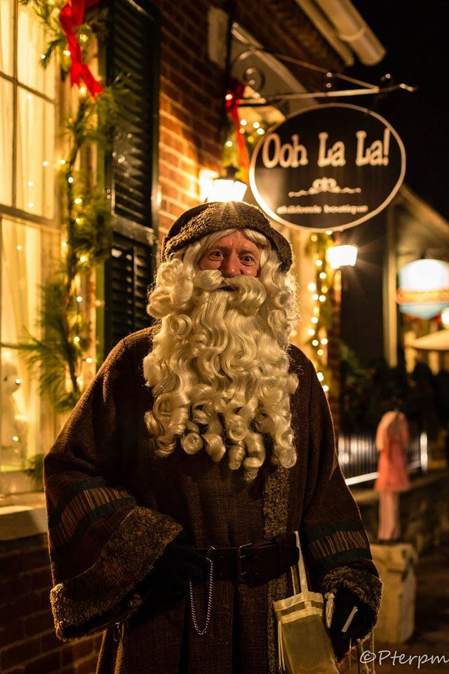 10.St. Charles Santa