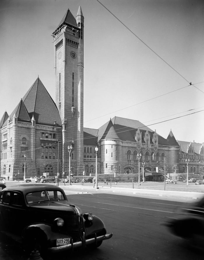 10. St. Louis Union Station, 1942