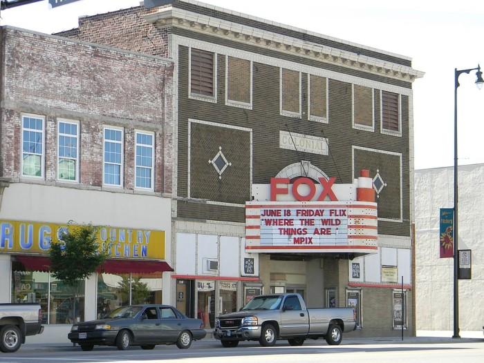1022px-Colonial_Fox_Theatre