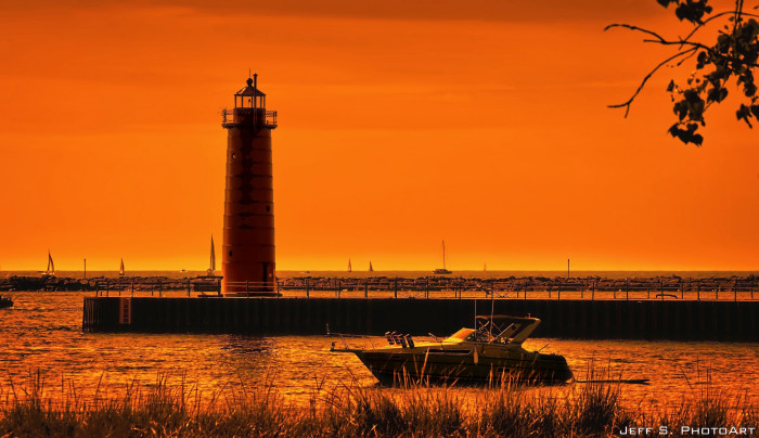 6) Michigan has the most lighthouses of any state.