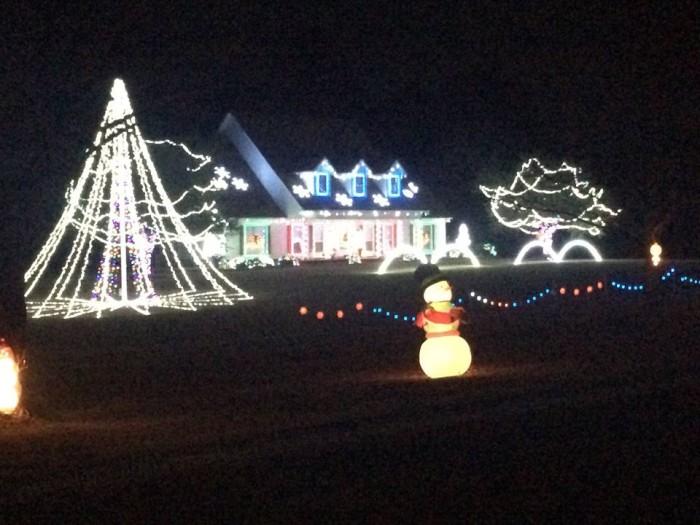 7. TMT Farms Christmas Lights Display - 16658 Old River Rd N Statesboro, Ge