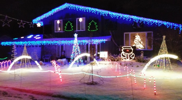 9. Porter's Holiday Light Show, Apple Valley.