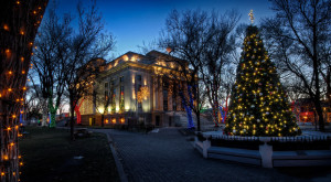 Here Are The Top 8 Christmas Towns In Arizona. They're Magical.