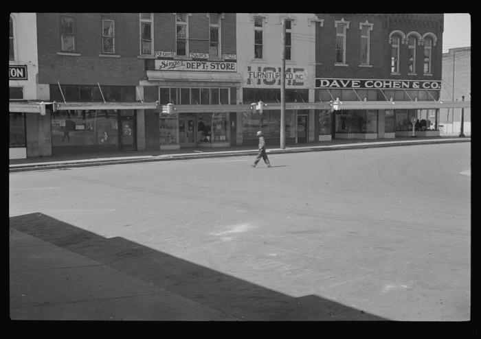12) A moment in 1935 Murfreesboro