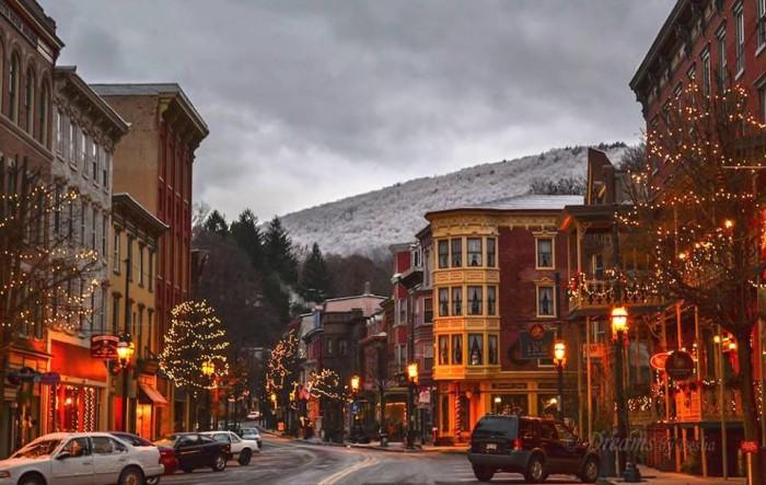 9. Enjoy an Olde Time Christmas in Jim Thorpe.