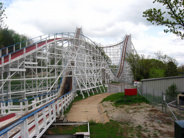 13.Ride all the roller coasters at Six Flags.
